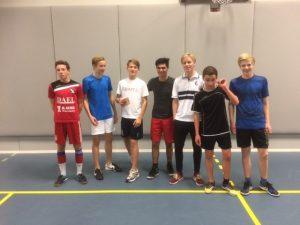 161206-zaalvoetbaltoernooi-winnende-team